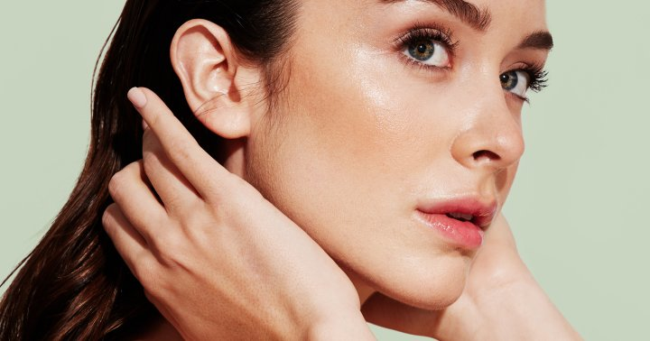 The Ultimate (And Easy!) 5-Step Collagen-Supporting Skin Care Routine